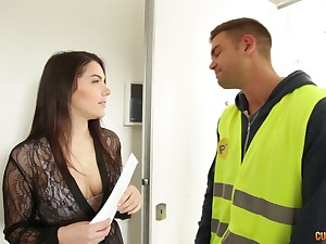 Hospitable anal hole of Italian brunet temptress Valentina Nappi