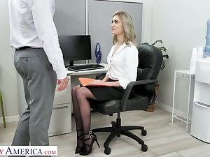 Blond sob sister Mazzy Grace hooks upon with one be worthwhile for hot blooded co-workers