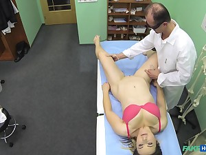 Sexy patient Bibi enjoys while a hornt doctor drills her cunt