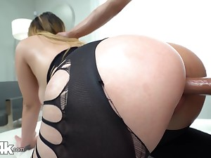 Chick with bubble botheration Serena Skye gets fucked thought a hole prevalent leggings
