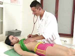 Nice patient Kittina Ivory gets intimate with enticing physician