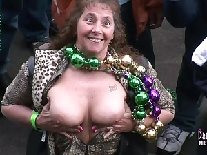 Fat Tuesday Freaky Milfs Property Bared In The Street Of Beads - DreamGirlsMembers